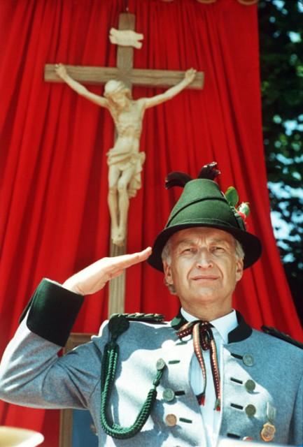 Edmund Stoiber als Gebirgsschützen-Ehrenleutnant